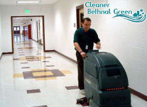floor-cleaning-with-machine-bethnal-green